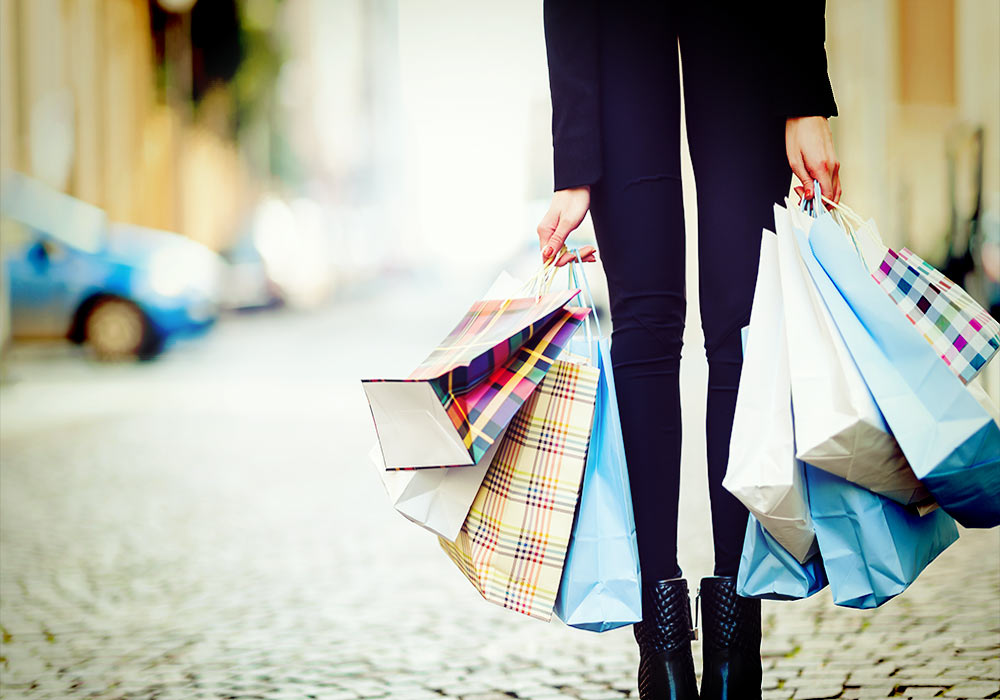 6 tricks to spend less while shopping