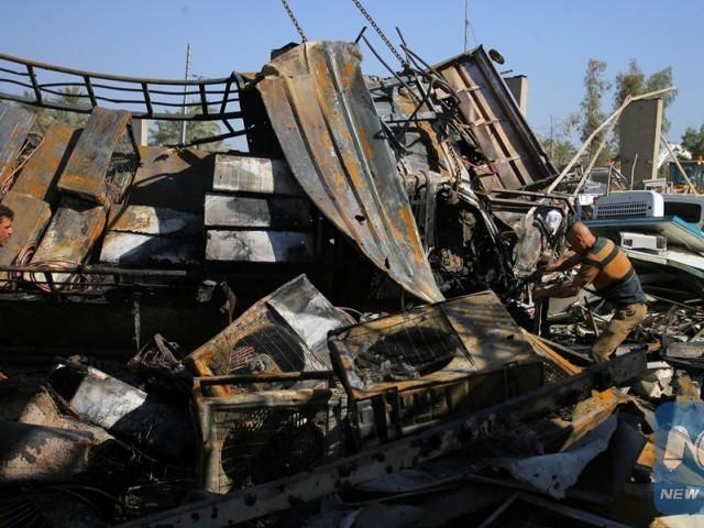 suspected gas cylinder blast kills 42 on zimbabwe bus