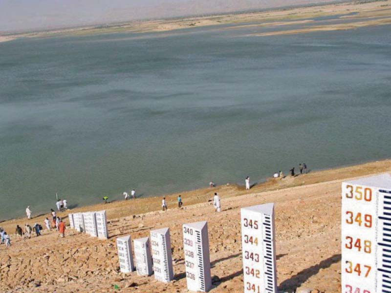 pakistan can only store 10 of annual river flows