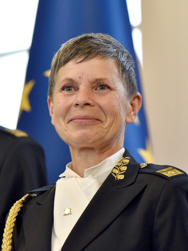 slovenia appoints first female army chief