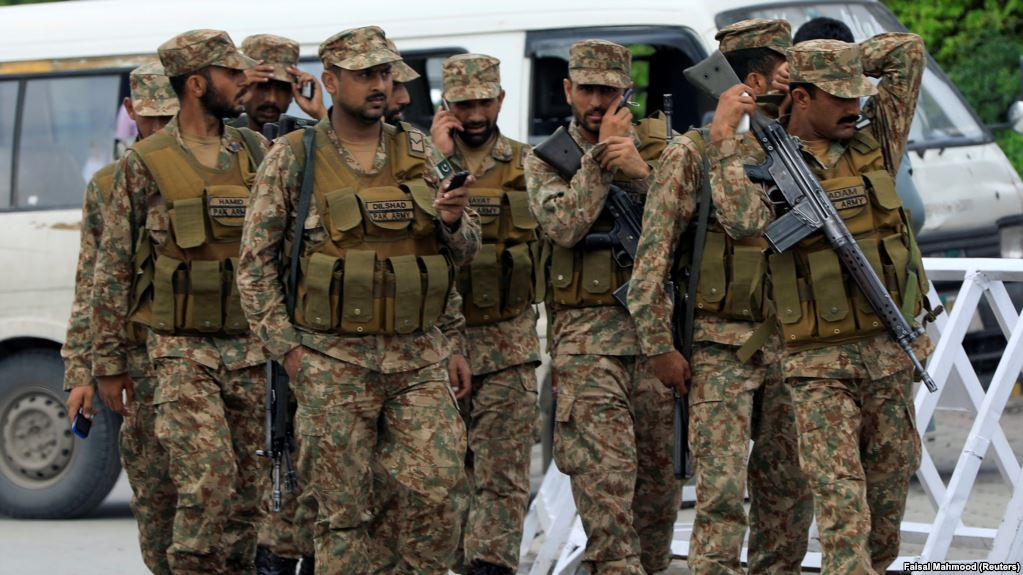 file photo of pakistan army soldiers photo reuters