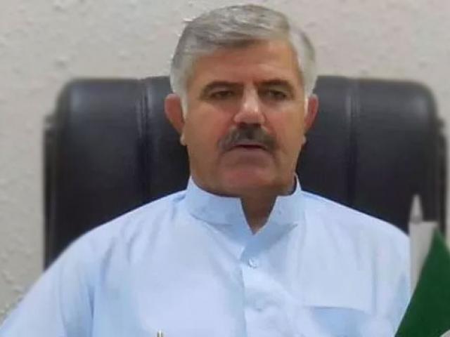 cm suspends corrupt e t team at m1 toll plaza in peshawar