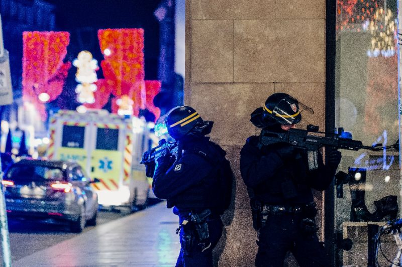 france hunts gunman behind strasbourg christmas market shooting