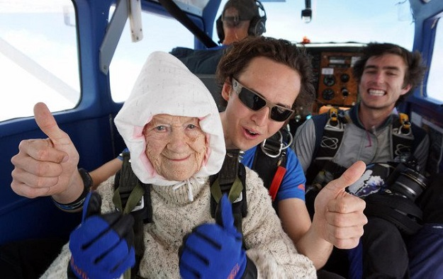102 year old great grandmother becomes world s oldest skydiver