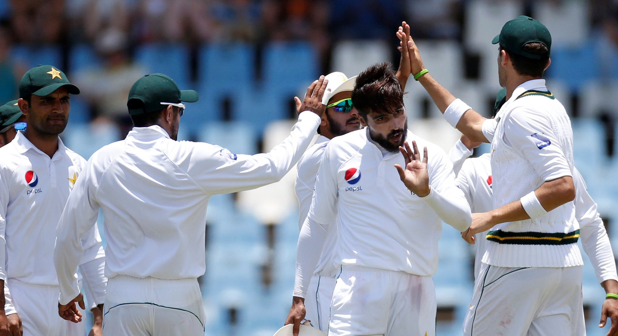 struggling pakistan aim to break through lion s den of criticism
