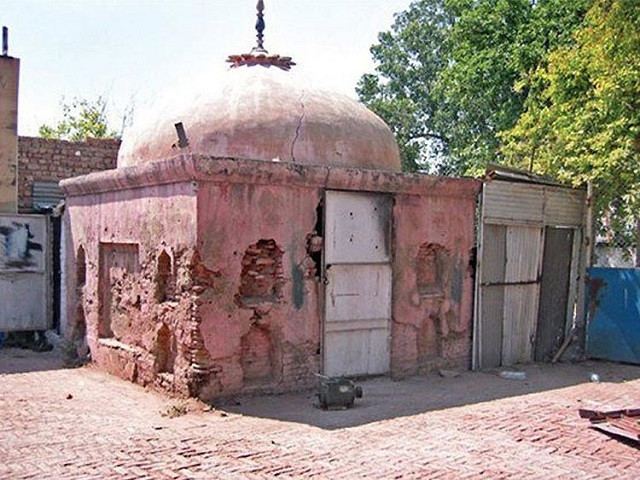 'Panj Tirath' is named for the five pools of water present at the site. PHOTO:Twitter(@TheLallantop)