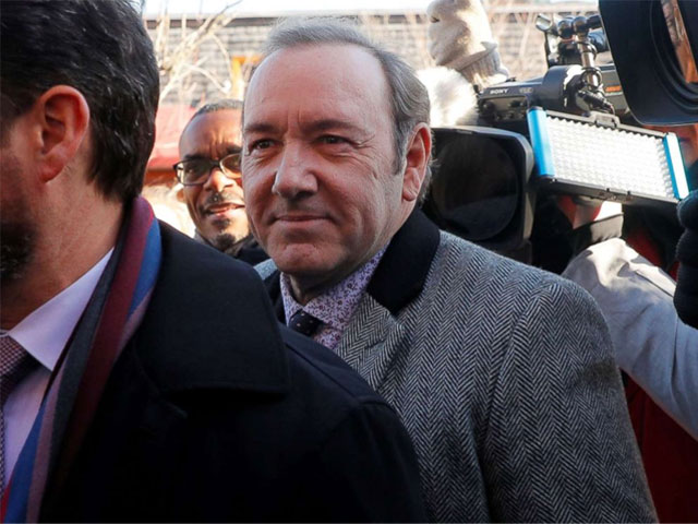 kevin spacey denies indecent assault in groping case