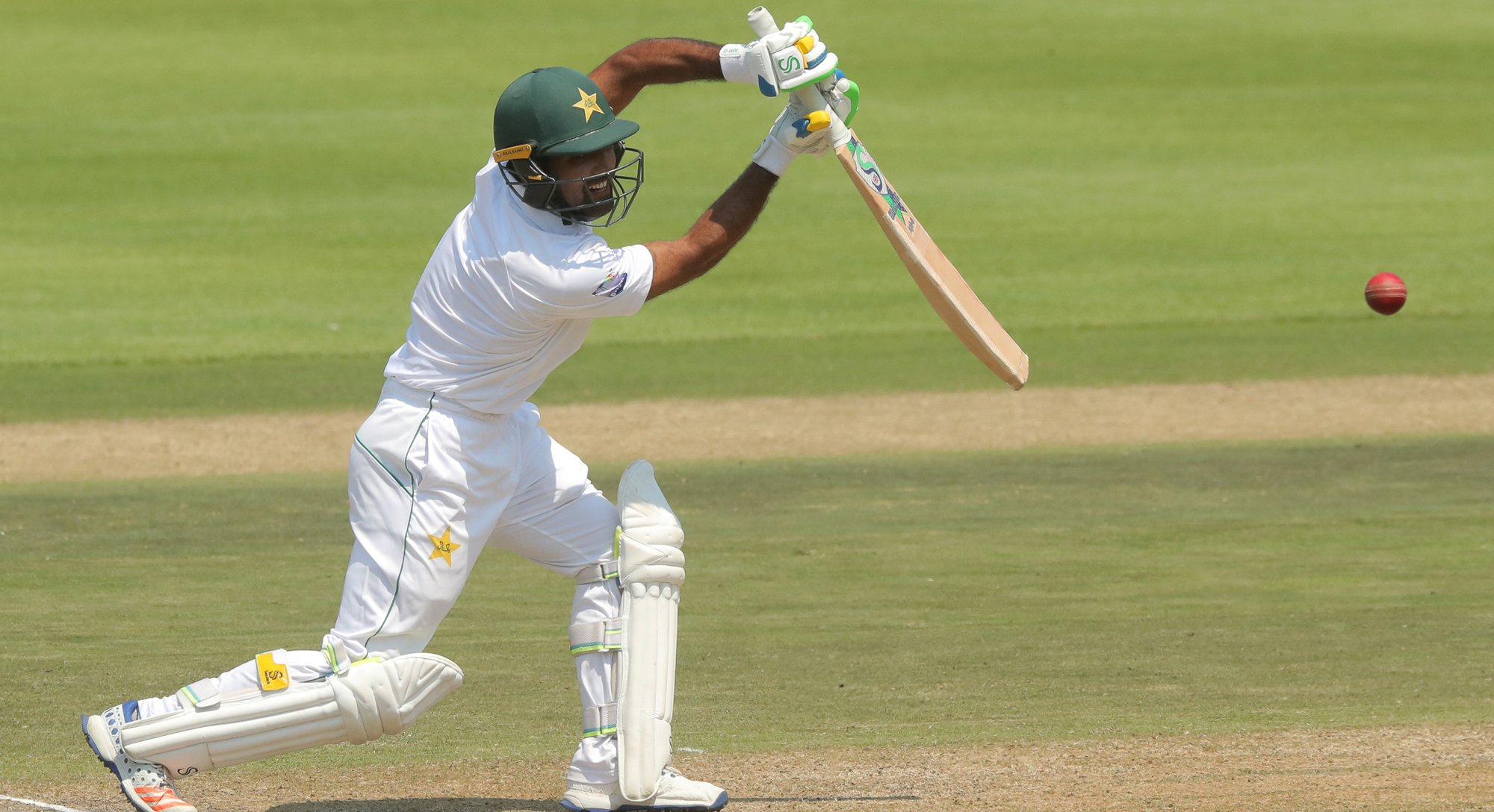 johannesburg test pakistan positive while chasing daunting target