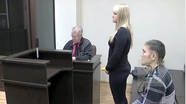 man stabbed 13 times by girlfriend proposes to her in court