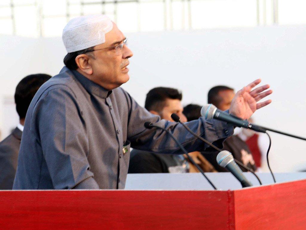 zardari predicts downfall of government