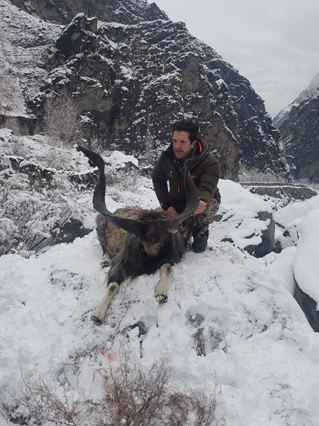 dianda christopher anthony became the second american to hunt down the flare horned markhor in gilgit photo express