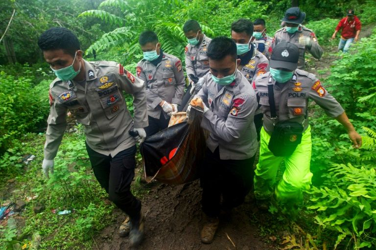 death toll from indonesia floods landslides climbs to 68