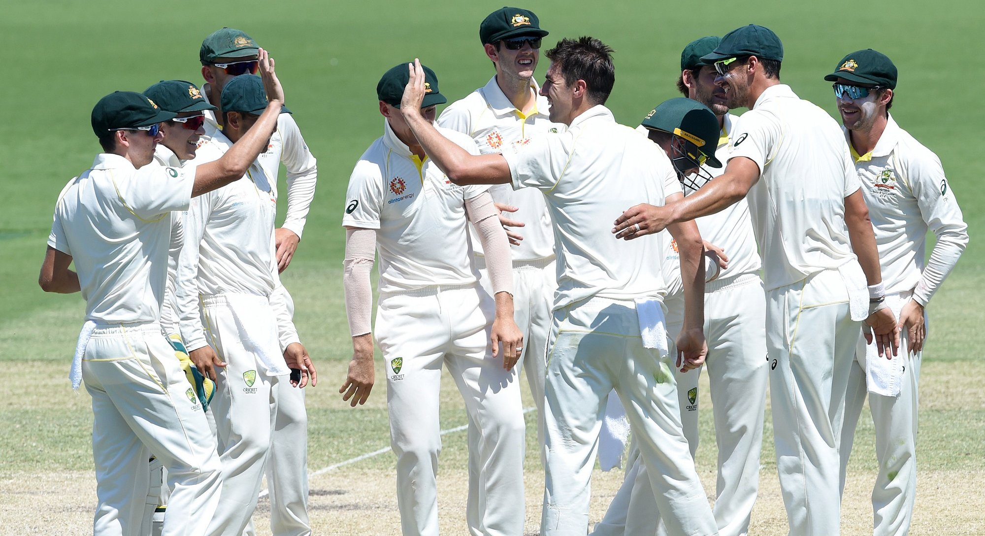 australia beat sri lanka by 366 runs to win second test and series
