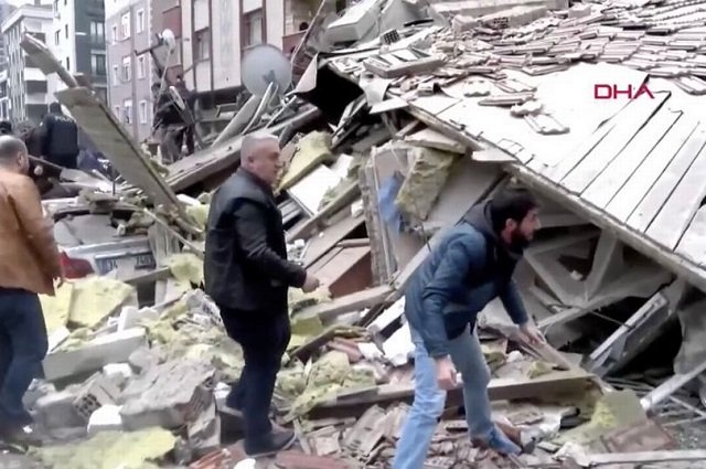 The reason of the building collapse is still unknown.PHOTO: Mirror