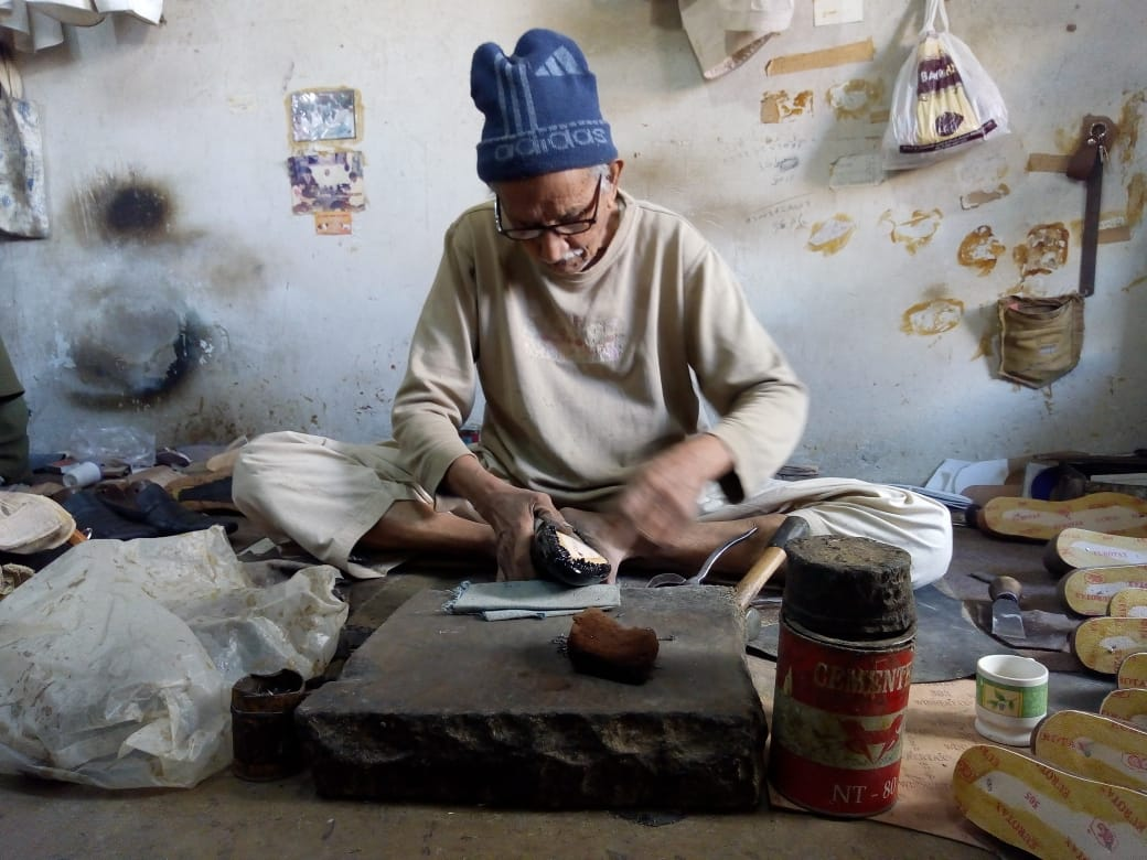 the shoemaker   last man standing for a dying art