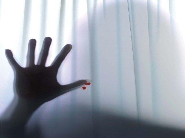 woman strangles husband to marry friend