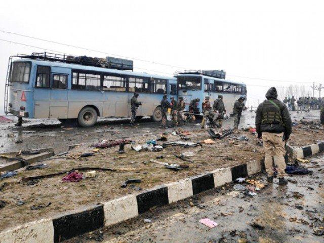indian police arrests 13 kashmiri youth