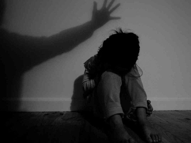 couple arrested for torturing stepdaughter in lahore