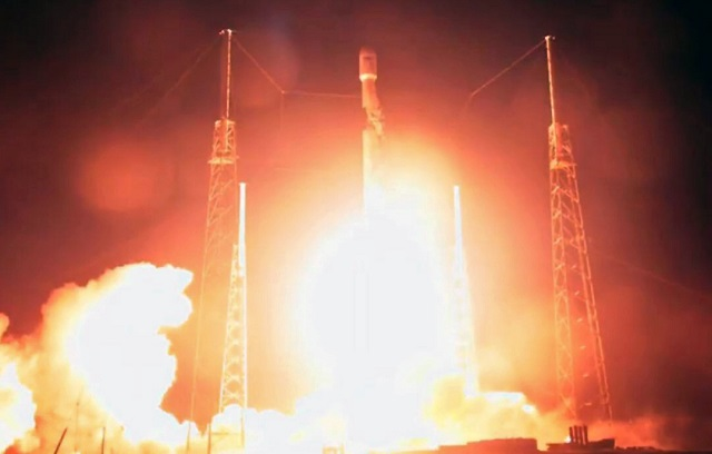 israel s first moon mission blasts off from florida