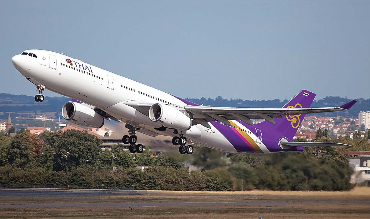 tourists stranded as thai airways cancels flights over pakistan