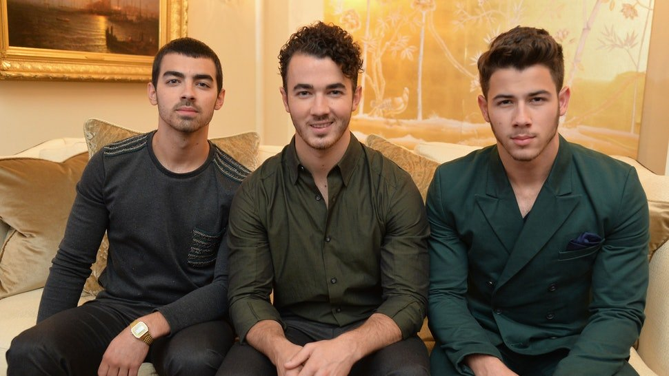 jonas brothers make a comeback with sucker featuring their female partners