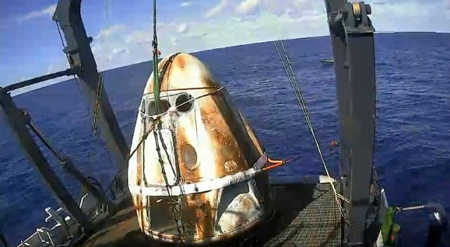 this still image taken from nasa tv shows spacex 039 s crew dragon spacecraft safely aboard the company 039 s recovery vessel following splashdown on march 8 2019 photo afp
