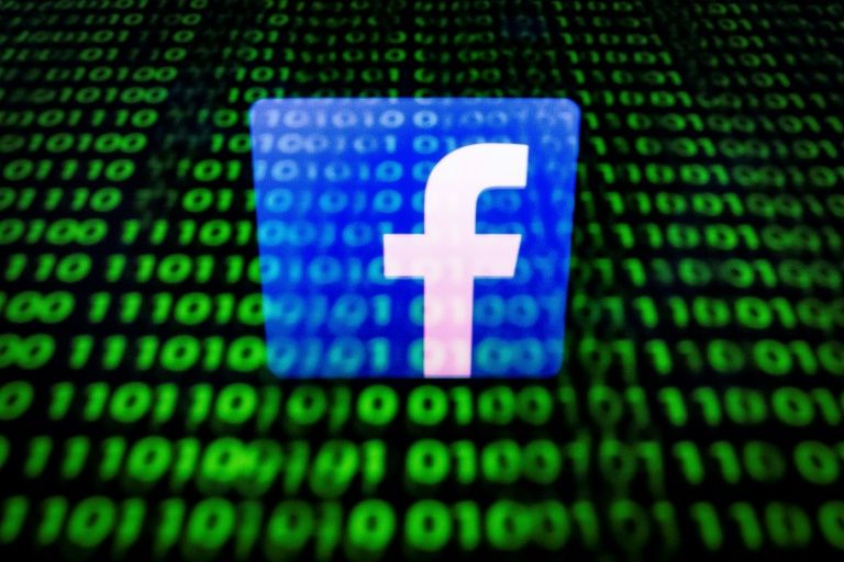 us prosecutors have launched a criminal investigation into the social network 039 s practice of sharing users 039 data photo file
