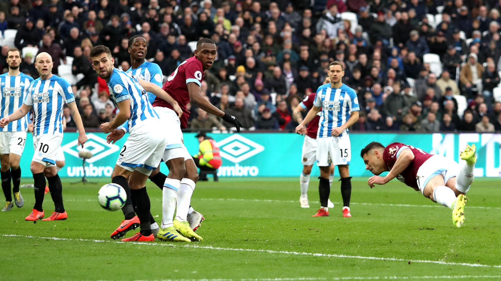 siewert 039 s side looked to have kept alive their faint hopes of beating the drop as they raced into a 3 1 lead photo afp