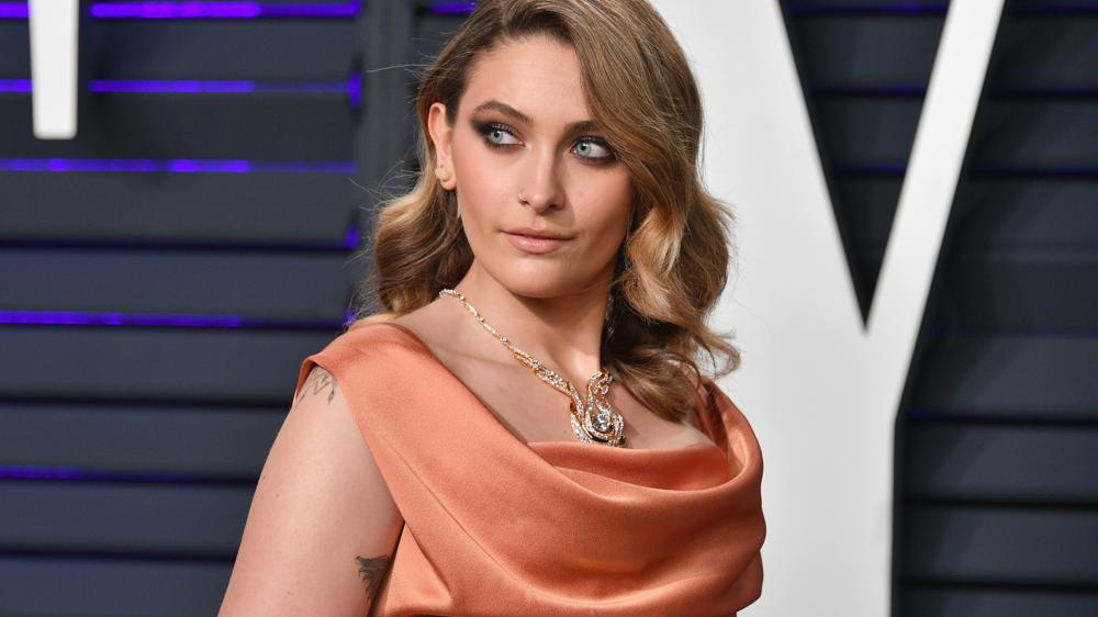 paris jackson denies rumours of being hospitalised for suicide attempt