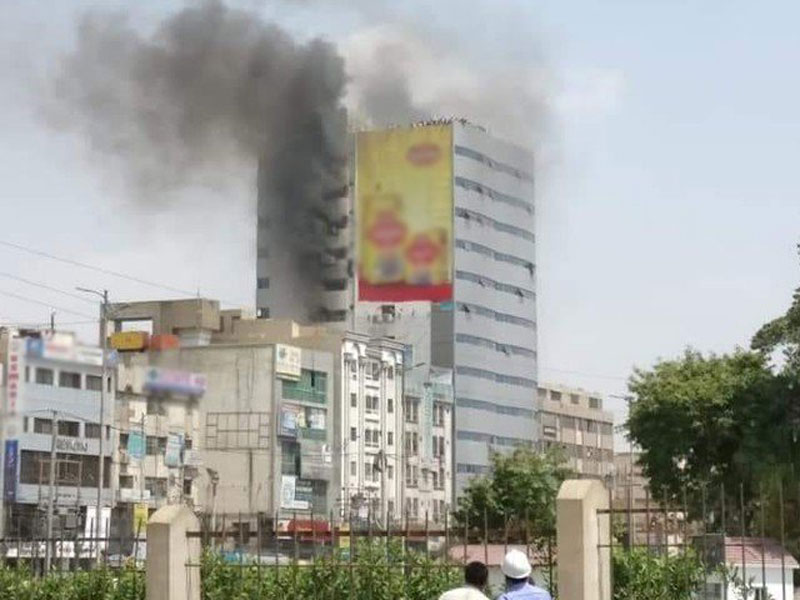 the blaze broke out on the fourth floor of the noor trade centre in gulshan e iqbal trapping people on several floors photo online