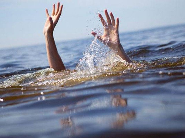 two japanese students drown at australia tourist hot spot