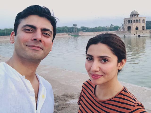 picture perfect mahira fawad take selfie on the legend of maula jatt sets