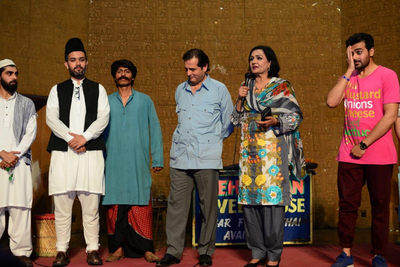 ajoka theatre celebrates acting class completion with marya hoya kutta