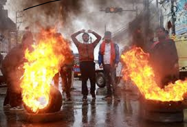 demonstrators shout slogans next to burning tyres during a protest against the killing of a leader of india 039 s ruling hindu nationalist bharatiya janata party 039 s bjp and his brother by unidentified gunmen in kishtwar town in jammu november 2 2018 reuters file