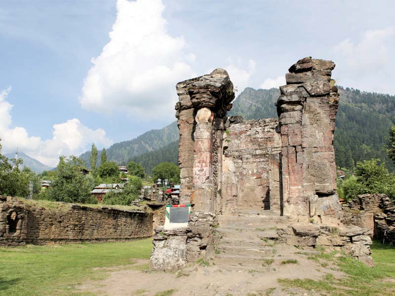 out of the 400 temples in pakistan only 13 temples are operational where the hindus perform their religious rituals photos huma choudhary express
