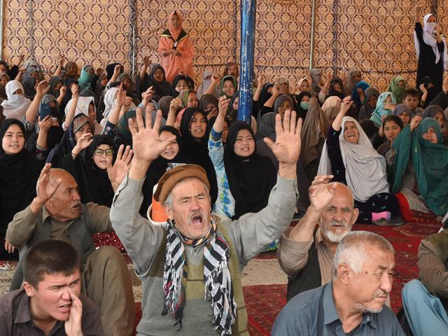 hazara community urges pm imran to visit quetta as sit in enters third day