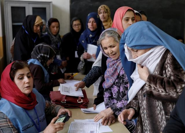 taliban team at afghan peace talks in qatar to include women