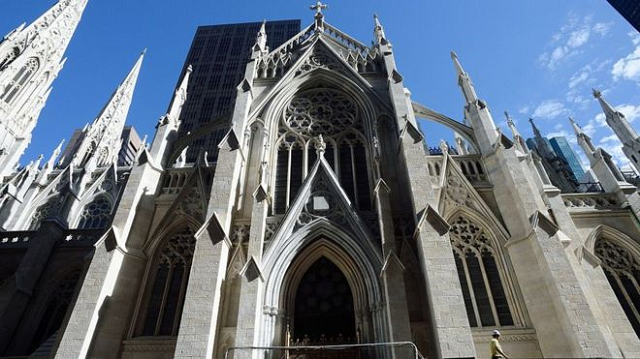 nypd arrest man carrying gasoline into st patrick s cathedral