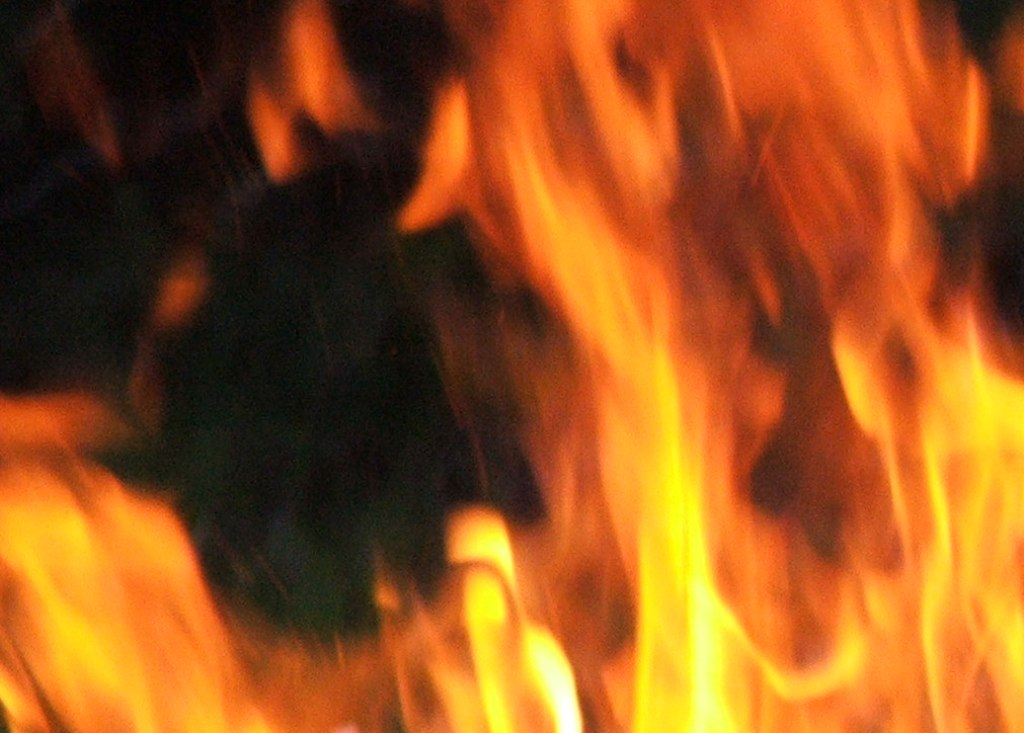 five children injured as water tank explodes in karachi