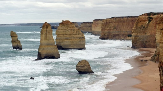 father and son drown saving tourist at popular australia spot