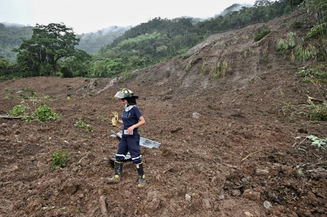 mudslide kills 19 in colombia