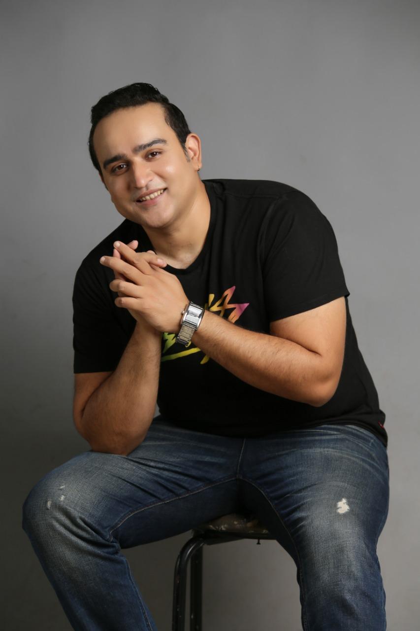 singer abbas ali khan releases new single sitaron se agay