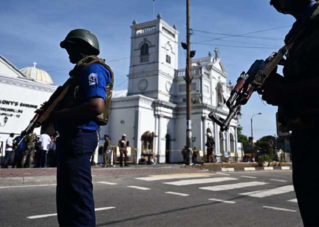 sri lanka expels 200 islamic clerics after easter attacks