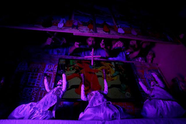 puppeteers lead message of tolerance in pakistan
