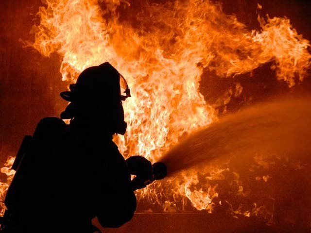 in karachi fire in store causes losses worth millions