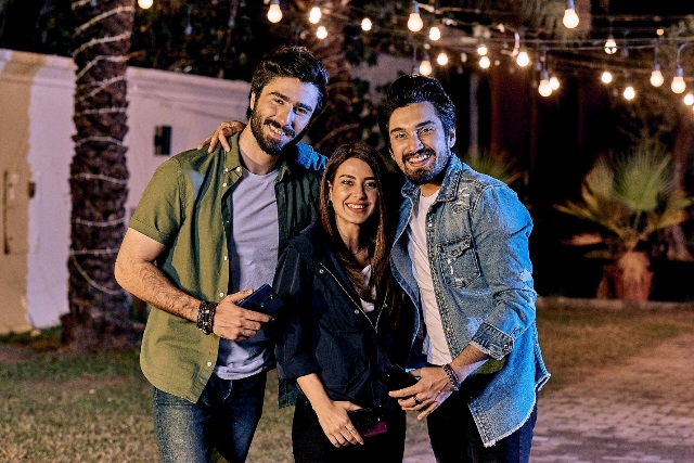 suno chanda cast captures hearty moments with the latest smartphone oppo f11 pro