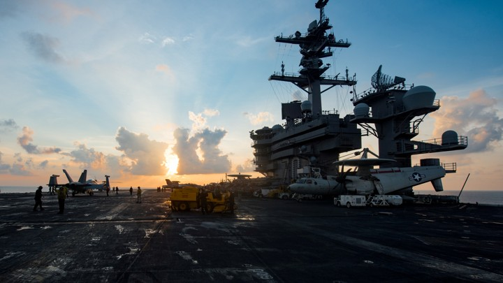 The aircraft carrier USS Carl Vinson (CVN 70) transits the South China Sea. PHOTO: REUTERS