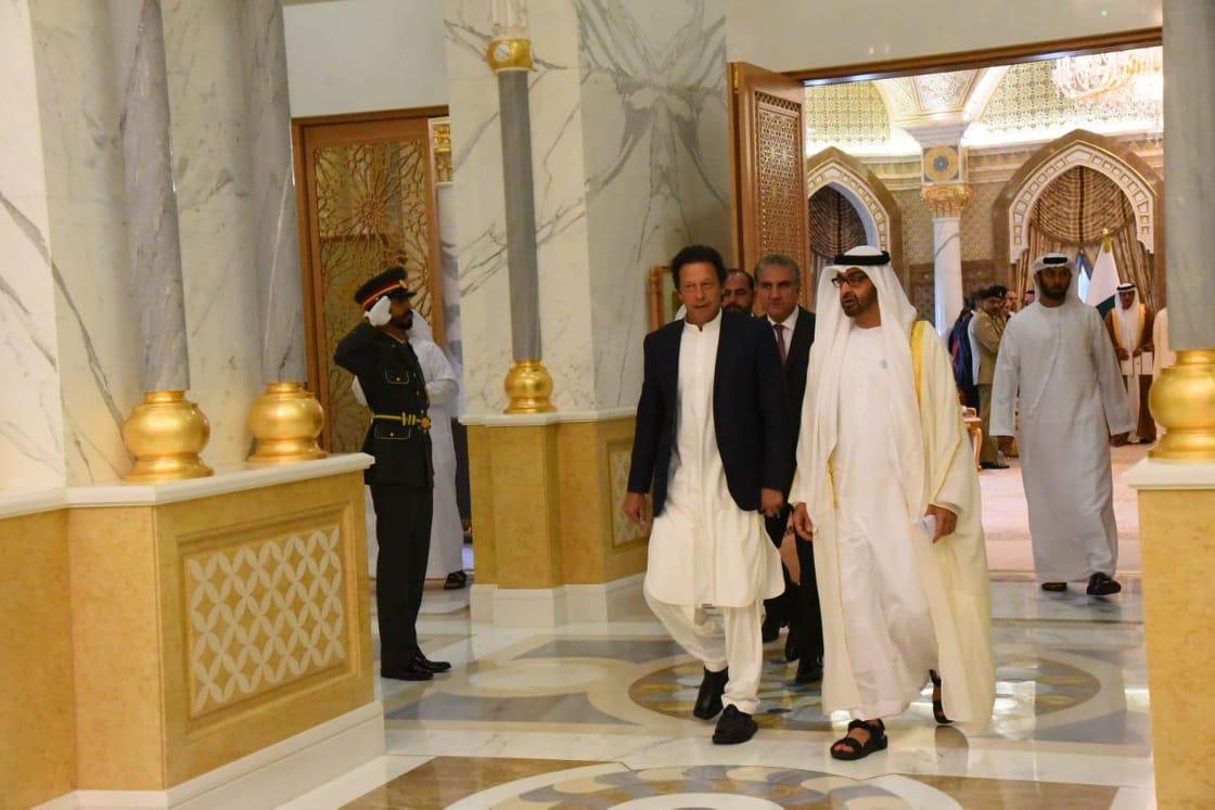 PM Imran Khan with Abu Dhabi Crown Prince Sheikh Mohammad bin Zayed Al Nahyan during his UAE visit. PHOTO: FILE
