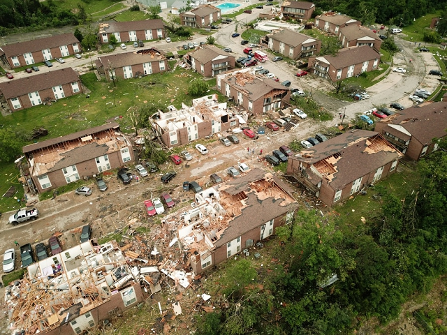 tornadoes kill three in central us region braces for more storms