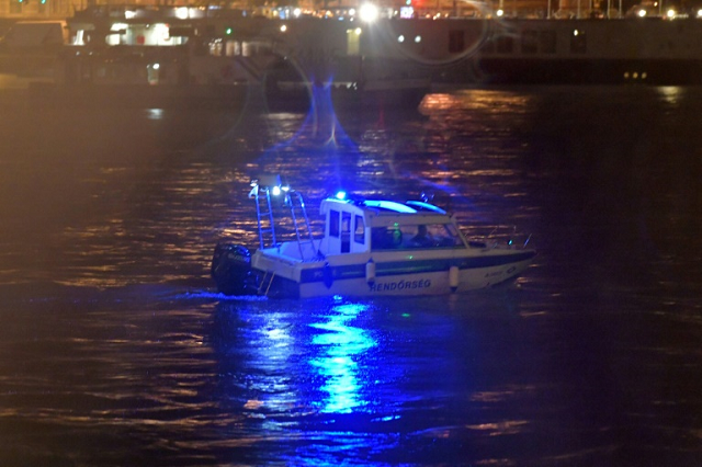 seven south koreans dead 19 missing after boat sinks in budapest